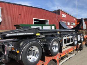 4-axlad lastväxlarvagn med tipp SLP, Sverige